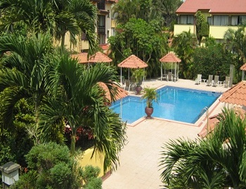 Country Inn Suites, outdoor gardens