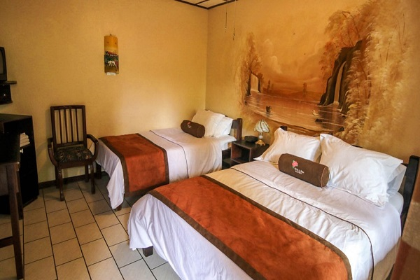 Hotel La Rosa de America-room
