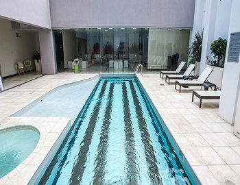 Park Inn, outdoor pool