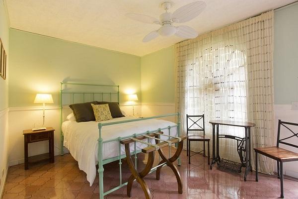 Single Queen rooms