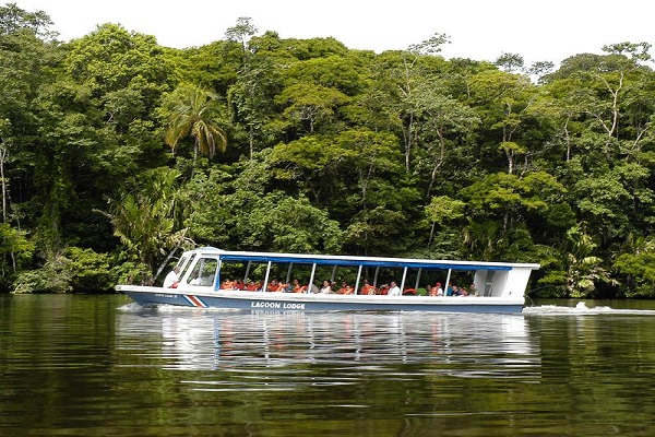 Tour of the Tortuguero Canals